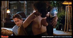 Sharon Stone & Jeanne Tripplehorn in  Instinct (1992) Agdxl3vzbglo