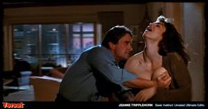 Sharon Stone & Jeanne Tripplehorn in  Instinct (1992) Ujxzfyfn1fv2