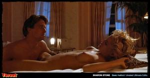 Sharon Stone & Jeanne Tripplehorn in  Instinct (1992) X9rmwpjf804j
