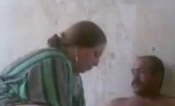 سكس عربى شرموطه تتناك من جوز اختها ويلعب ف بزازها تتناك ف كوسها وصورها