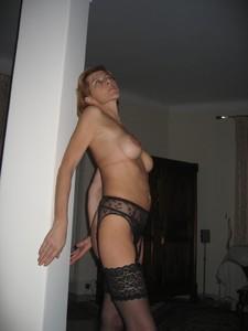 http://img163.imagetwist.com/th/17688/mxf0s55aza52.jpg