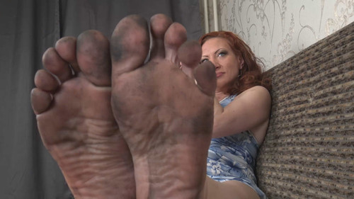 Helen - clean my feet, slave! Full HD