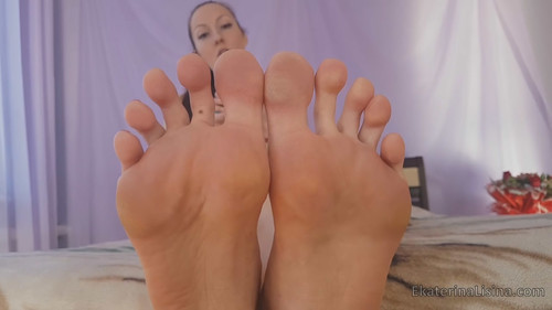 Big Feet (Size-47) Humiliation and Play in Ekaterina Lisina