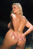 Abbey-Brooks-Poolside-Fun-In-Pink-Bikini-46s7m143yl.jpg