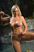 Abbey-Brooks-Poolside-Fun-In-Pink-Bikini-m6s7m1q42x.jpg