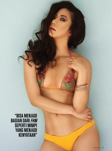 Hana Young - FHM - Model Indonesia Foto Hot