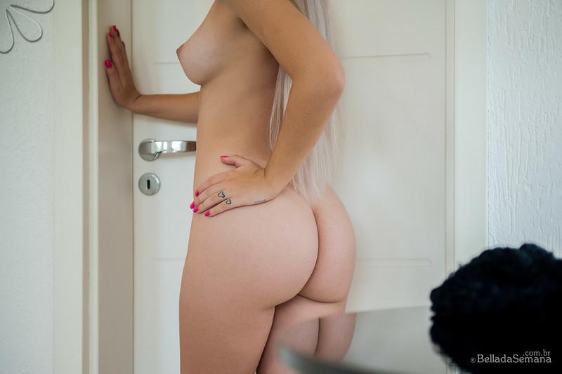 baixar Janaína Santos pelada no Bella da Semana (fotos e vídeo making of) download