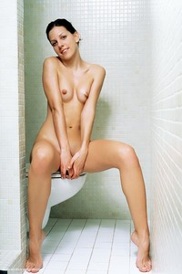 Laura-in-Nipples--46qw3cnstp.jpg