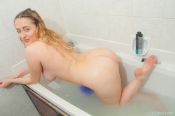 Rachel White - Tub Time