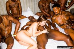 Riley Reid - Girlfriend Gangbang At The After Partys6td2c3lpl.jpg