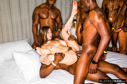 Riley-Reid-Girlfriend-Gangbang-At-The-After-Party-36td2dhhge.jpg