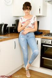 Kate-Anne-Mature-Housewives-137-pics-4800px-m6t0gqqvzn.jpg