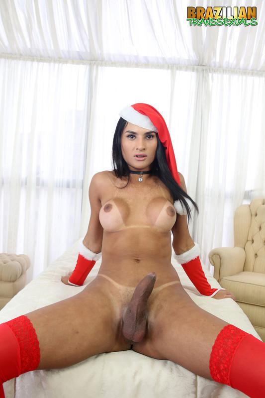 Aline Garcia Xmas (25 December 2018)