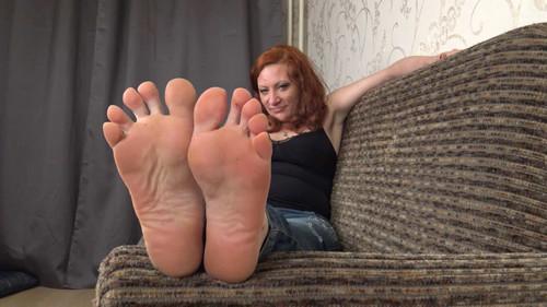 Helen - soles teasing Full HD