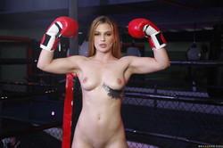 -Sloan-Harper-Boxing-Babe-368x-2495x1663-h6up1dgdcp.jpg