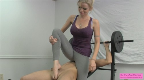 Vanessa Ballbusting in the Gym Part 1