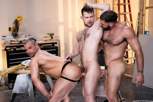 RagingStallion – Raw Construction: Ricky Larkin, Kurtis Wolfe & Jaxx Thanatos Bareback